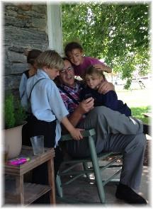 Amish children viewing photos 7/31/15