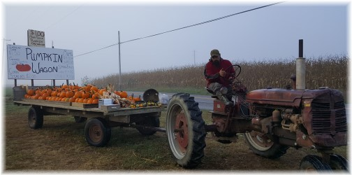 Pumpkin wagon near Paradise, PA 9/28/16