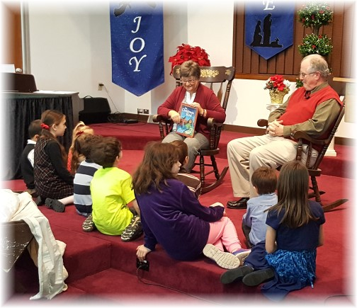 Christmas story to children 12/25/16
