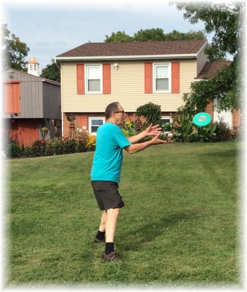 Mike Weber playing Frisbee 8/11/14