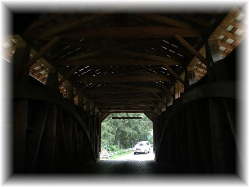 Inside a covered bridge (photo by Ester)