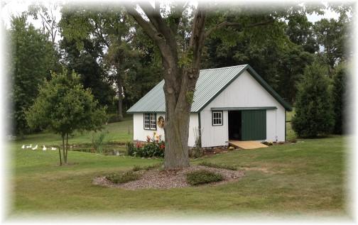 Small barn on Elizabethtown Road 9/10/14
