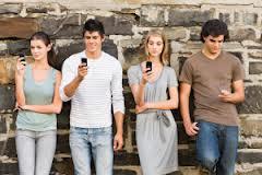People reading phones
