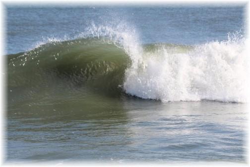 Ocean wave along Delaware shore (photo by Duke)