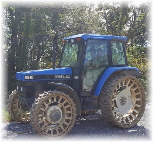 Steel-wheeled tractor 9/11/16