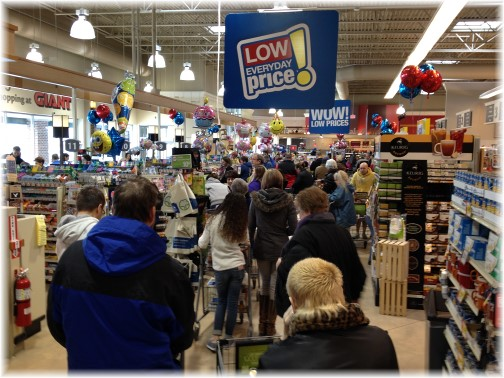 Giant supermarket before storm 2/22/15