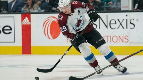 Colorado Avalanche F Nathan MacKinnon out one-to-two weeks