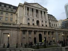 Traders Await BoE News