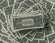 Dollar Weighed by Economic Worries