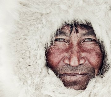Gorgeous Portraits of the World's Vanishing People