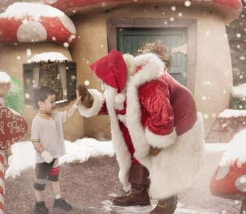 Kids in Hospital Receive Magical Christmas Surprise