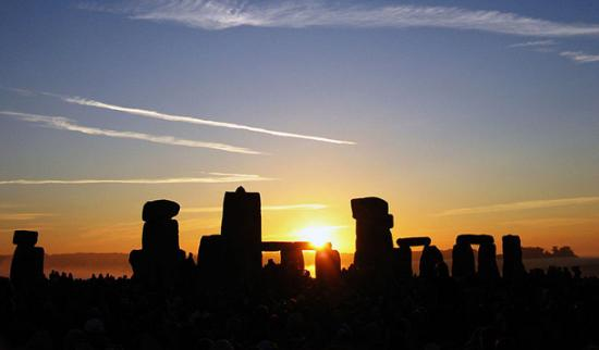 Summer Solstice at Stonehenge, by Andrew Dunn (Creative Commons Licence)
