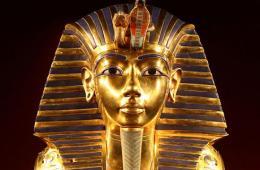 Image Tutankhamun tomb secret chamber hidden Egypt Nefertiti Egyptology