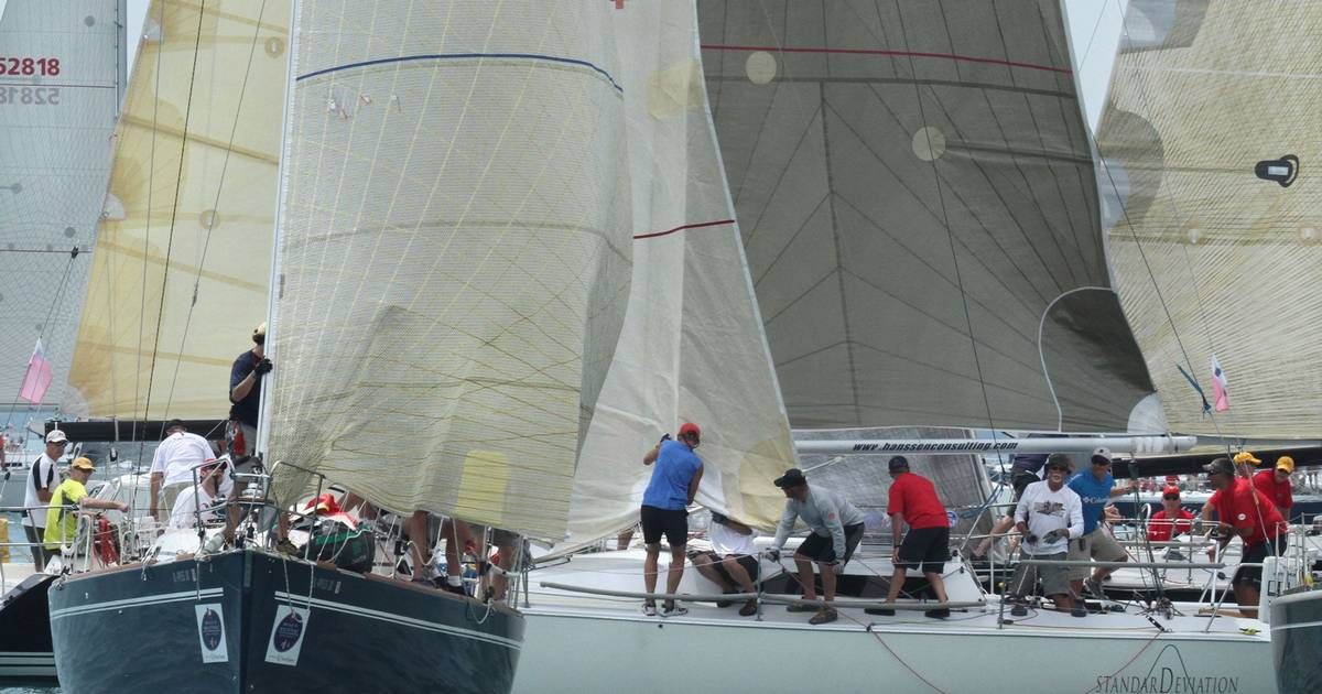 Images From Start Of Chicago To Mackinac Race
