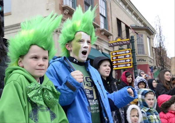 Images from St. Patrick's Day parades - DailyHerald.com