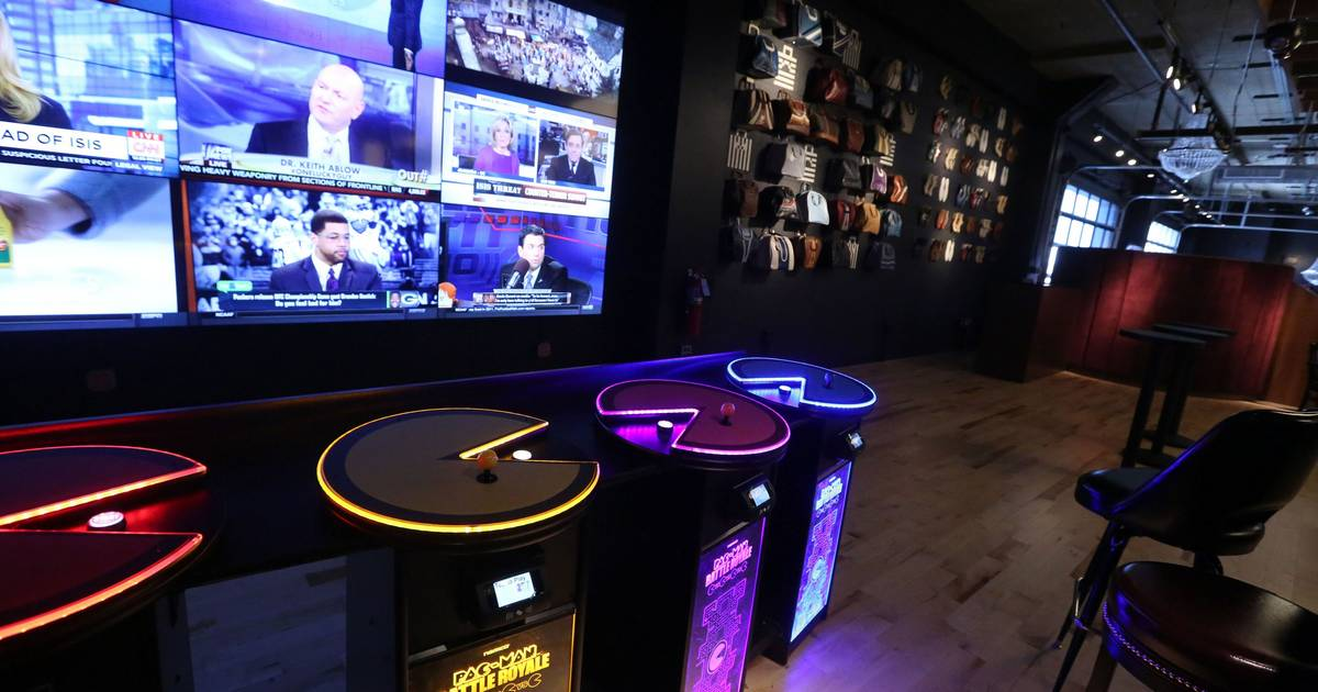 Pac Man Themed Restaurant Opens At Woodfield