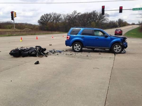 Hanover Park motorcyclist dies from injuries in Bartlett crash