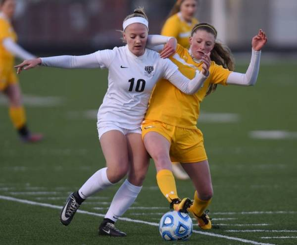 Evans notches hat trick in Bartlett's win over Jacobs