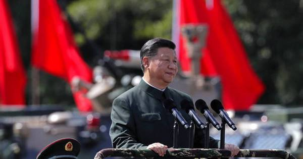China flexes military muscle in Hong Kong during Xi's visit