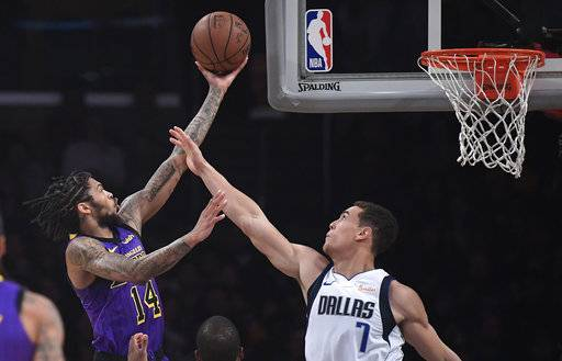 LeBron, Lakers rally in 2nd half to beat Mavericks 114-103
