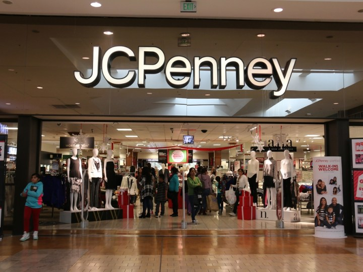 JCPenney Expanding Its Curbside Pickup Service – Could It Turn Its Fortune?