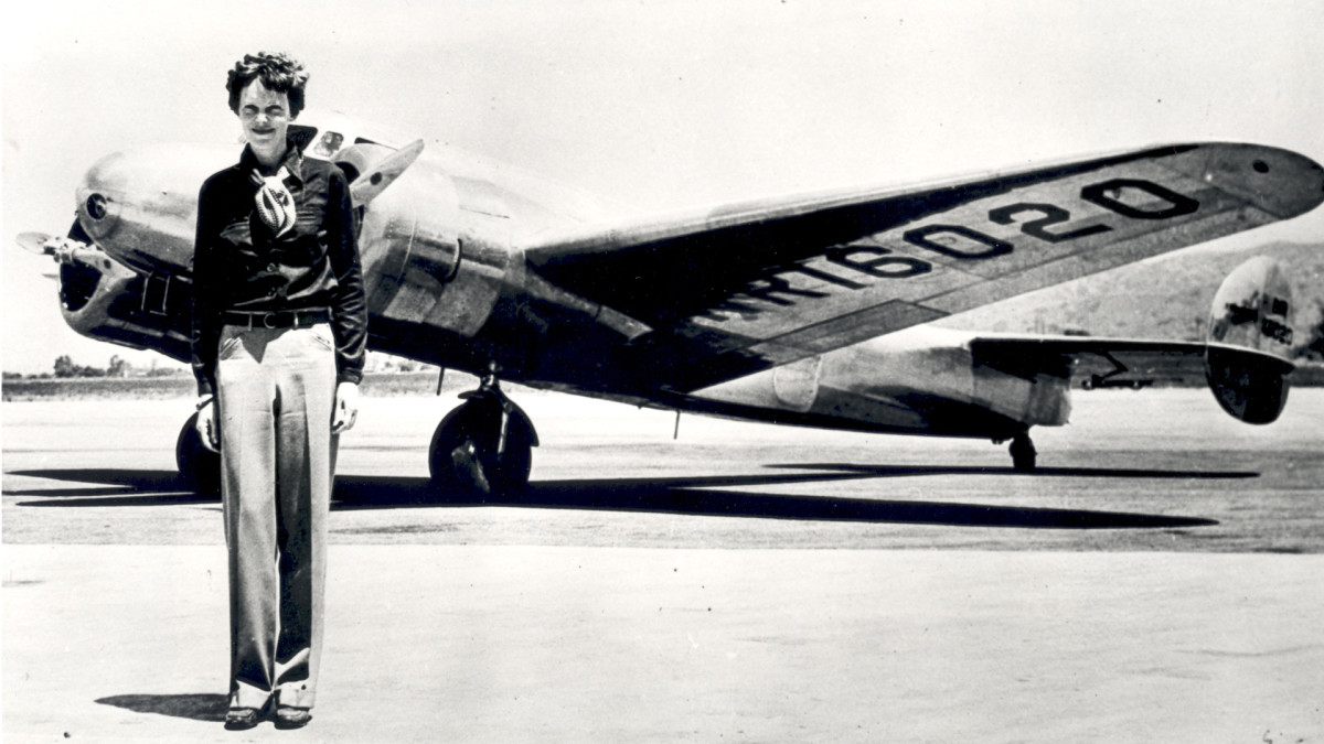 What Happened to Amelia Earhart? – Disappearance, Found & New Evidence