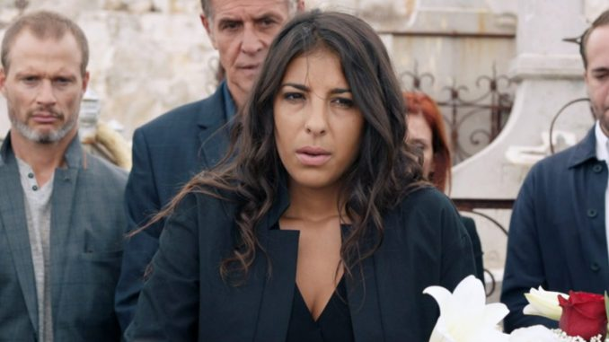 """Tomorrow belongs to us: """"After Leïla's death, Rémy is a real support for Soraya"""" confides Kenza Saïb-Couton - News Séries"""
