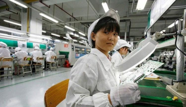 Foxconn_Worker