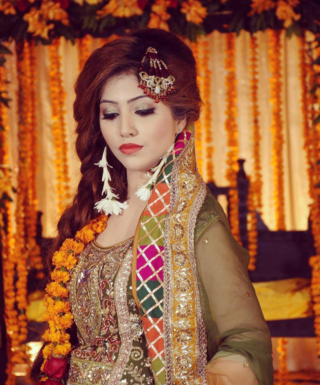 Awesome Wedding Photos of Famous Anchor Host Aleena Haroon