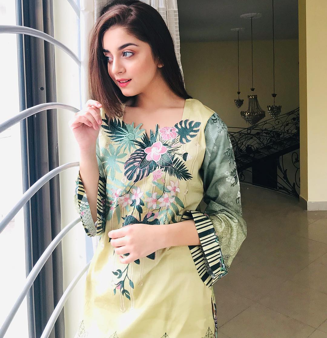 New Awesome Photos of Actress Alizeh Shah