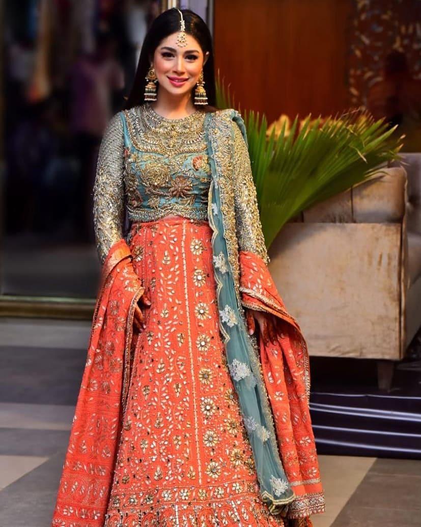 Awesome Photos of Actress Sidra Batool at a Wedding Event