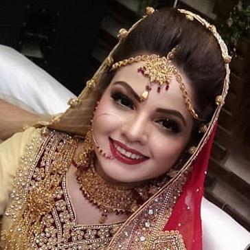 Awesome Wedding Photos of Actress Isha Noor