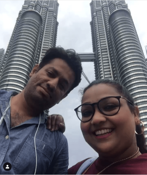 New Awesome Photos of Actress Uroosa Siddique with her Husband and Son