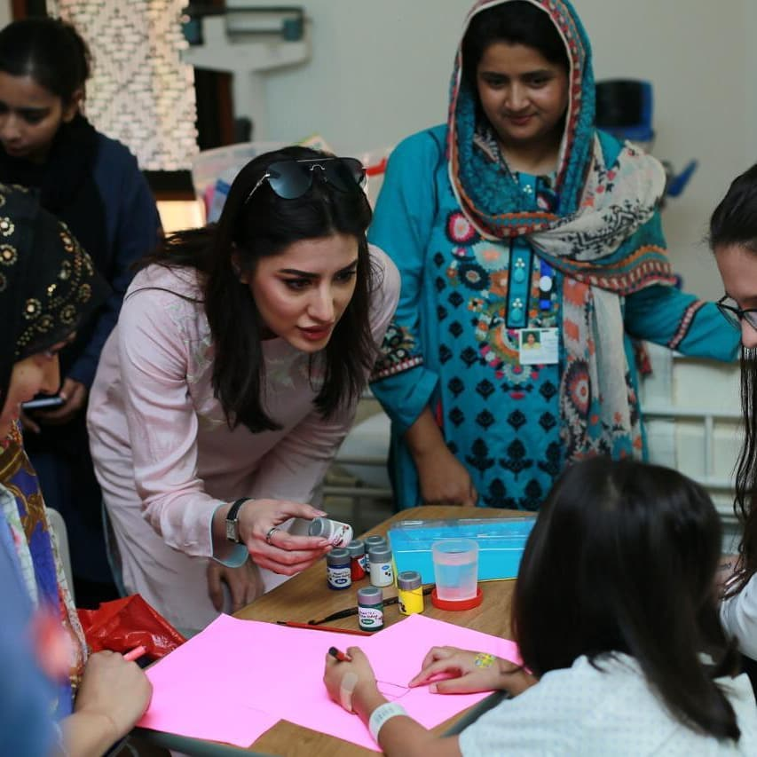 Mehwish Hayat Spent a Day with Kids at Agha Khan Hospital