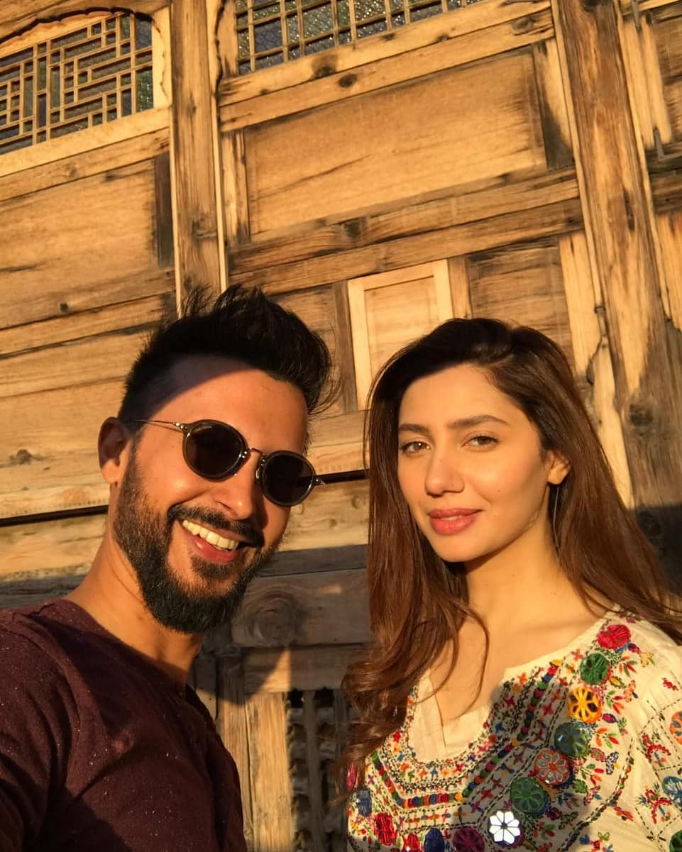 Awesome Photos of Mahira Khan in Peshawar for her Upcoming Movie