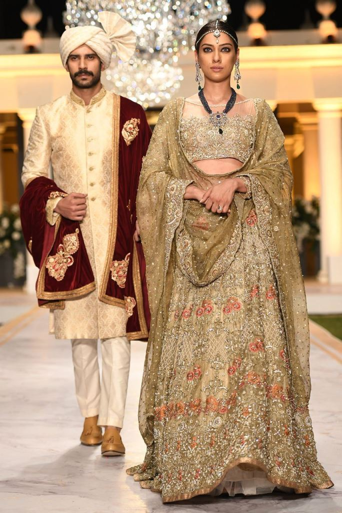 Stylish Deepak Perwani Wedding Suits For Yr 2019 Collection For Ladies