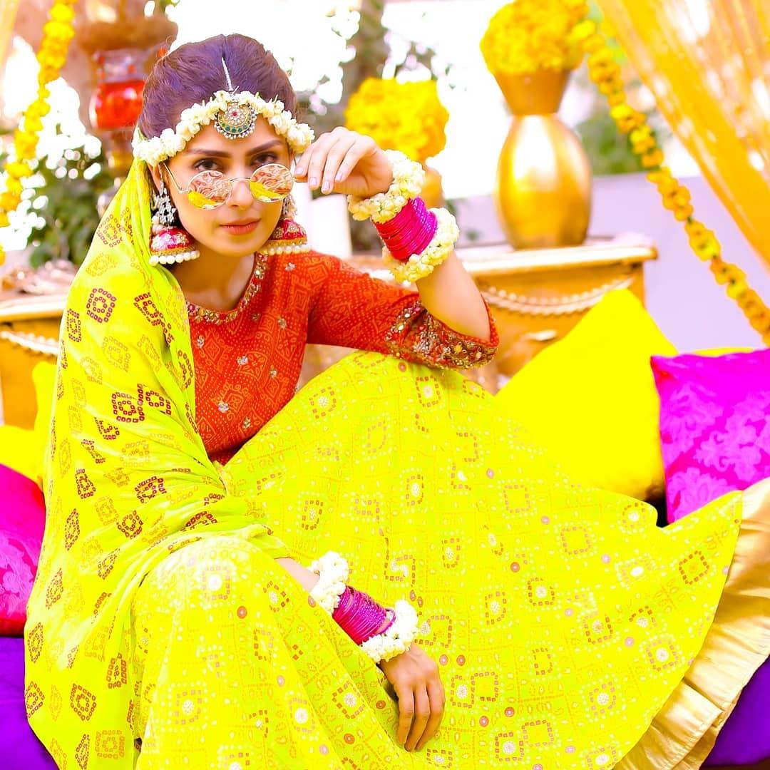 Awesome Ayeza Khan on the Set of her Upcoming Drama Yaariyan