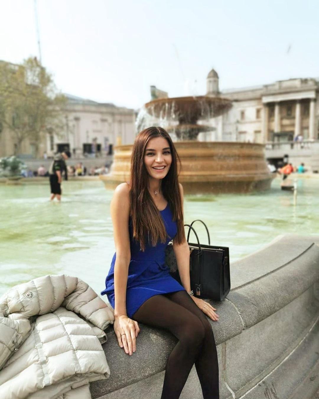 Awesome Photos of Actress Sadia Khan in London