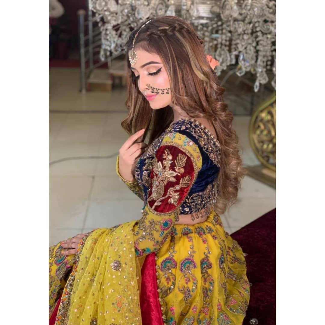 Awesome Photos of Actress Laiba Khan