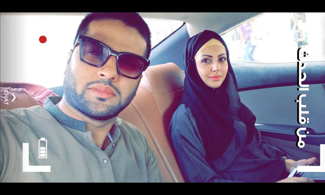 Actress Moomal Khalid Performed Umrah with her Husband Usman Patel