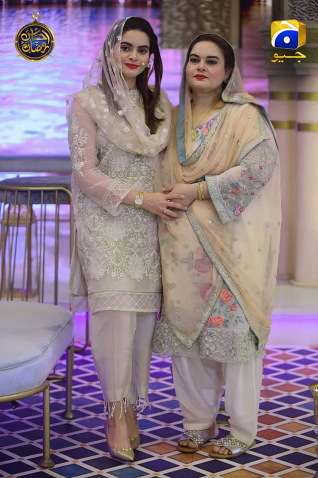 Awesome Photos of Minal Khan with her Mother in Geo Tv Ramzan Transmission