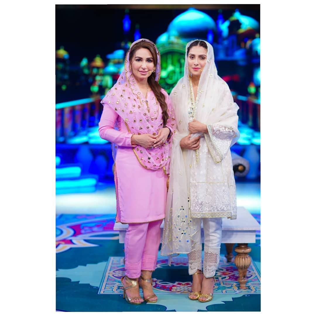 Awesome Ayeza Khan with Reema in Aaj Tv Ramzan Transmission