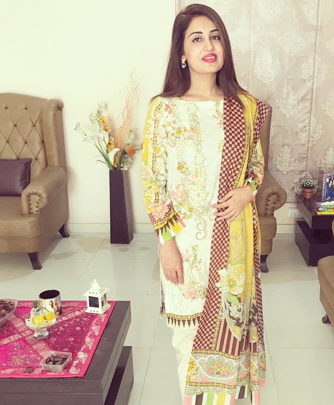 Iqrar ul Hassan Wife Farah Iqrar in Aaj tv Ramzan Transmission