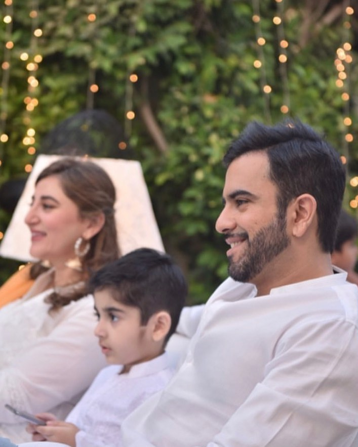 Junaid Khan with his Wife and Son at Iftar Party