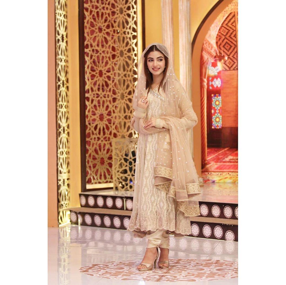 Awesome Kinza Hashmi with Javeria Saud in Express Tv Ramzan Transmission