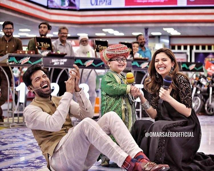 Beautiful Mahira Khan with Cute Ahmed Shah in Jeeto Pakistan