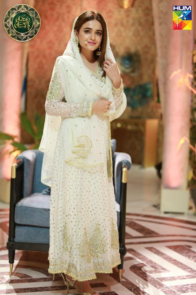 Beautiful Sumbul Iqbal in Ramzan Pakistan Today