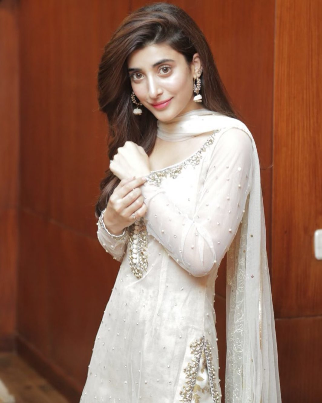 Awesome Photos of Urwa Mawra and Farhan Saeed on Eid Day