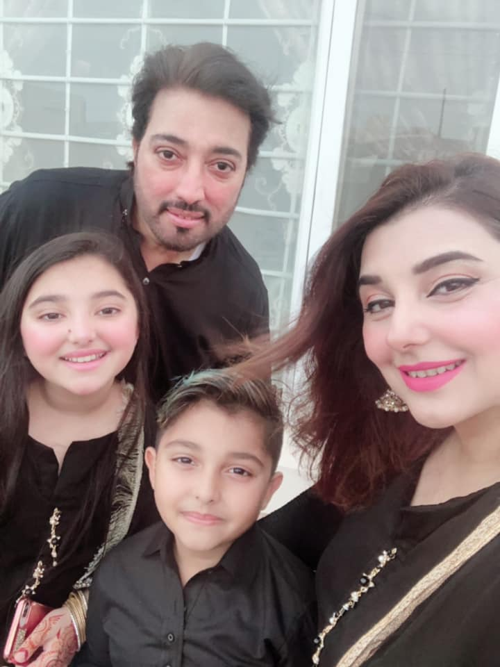 Awesome Photos of Javeria Saud with her Family on Eid