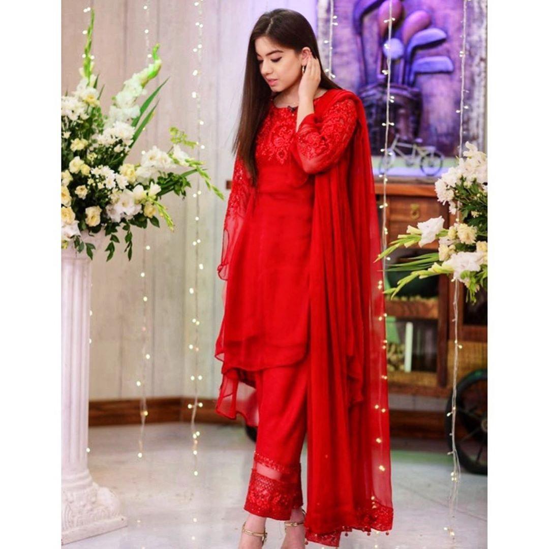 Awesome Eid Photos of Actress Arisha Razi